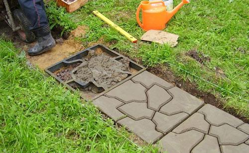 Как сделать бетонную дорожку на даче