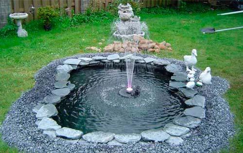 Для работы фонтана необходимо наполнить водой достаточно глубокую емкость