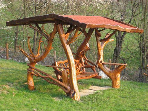Мебель, которую сделали своими руками, отличается креативностью