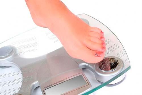 Сравнение качества весов для ванной комнаты.