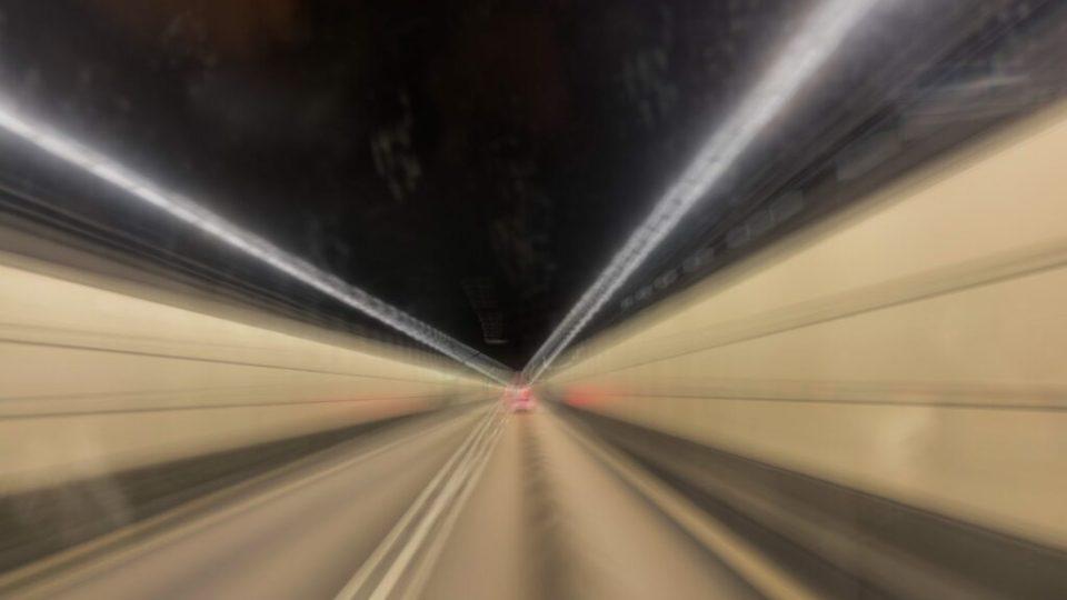 Ner i tunneln…
