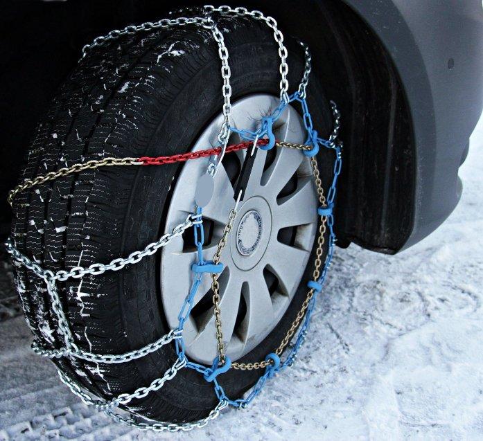 chaines pneus neige hiver loi montagne