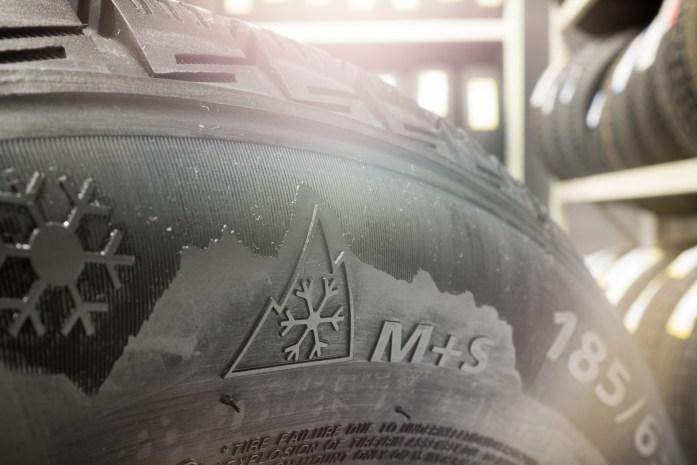 marquage pneus neige