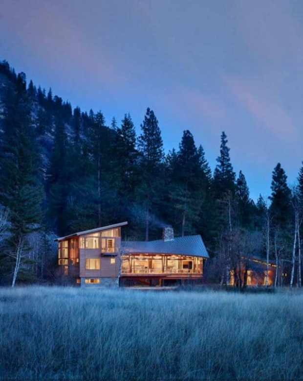 a secluded mountain valley home on the edge of the north cascades | @meccinteriors | design bites