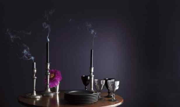 2017 will be a shadow in rich, royal, dramatic amethyst | @meccinteriors | design bites