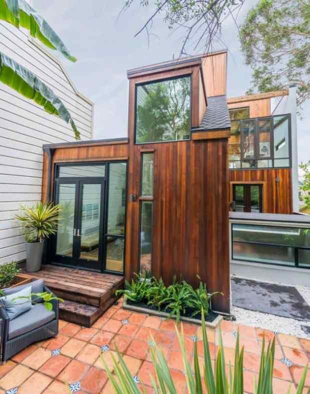 backyard house makes the most of a san francisco yard | @meccinteriors | design bites