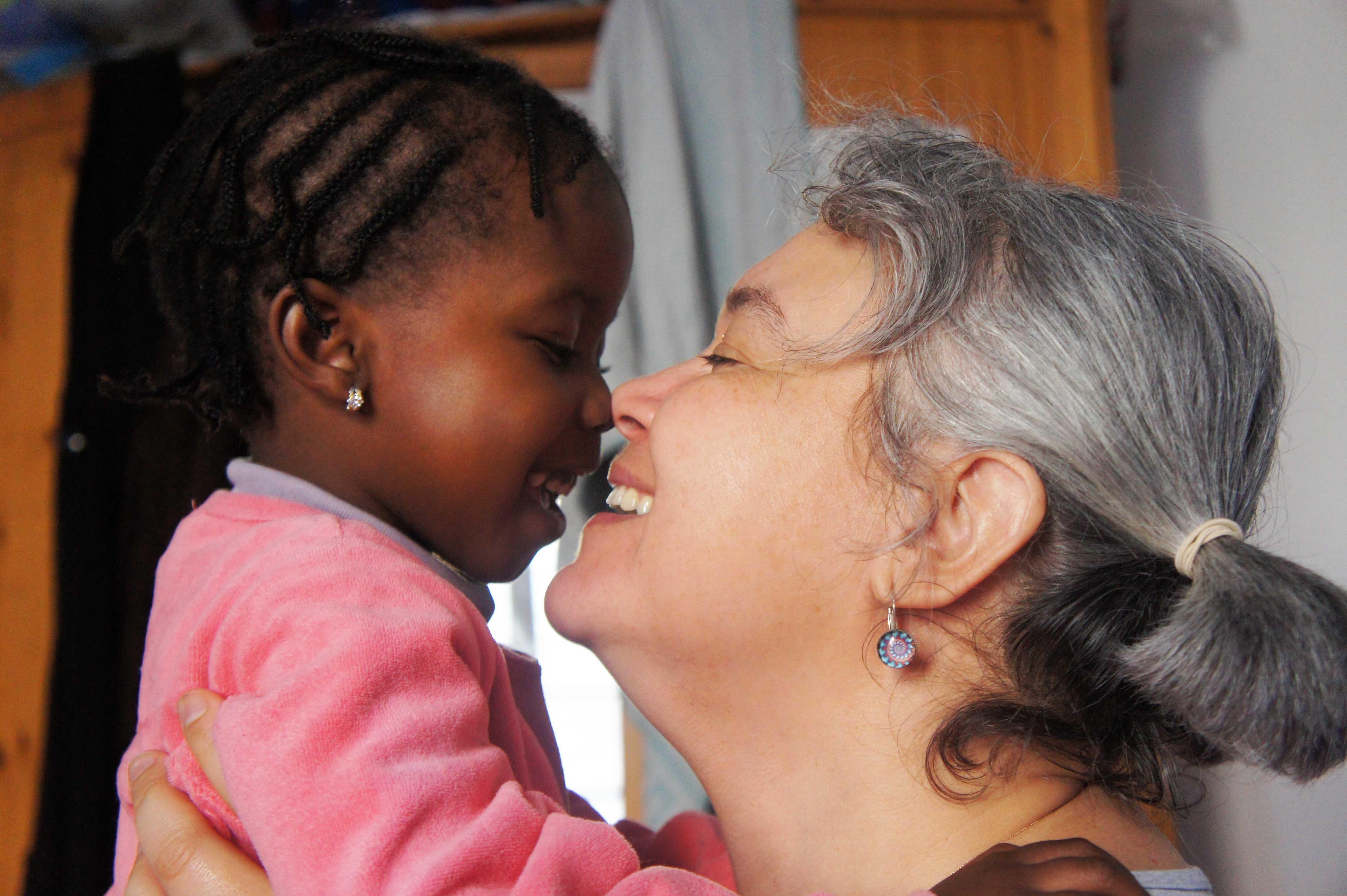 Djeneba et sa maman d'accueil