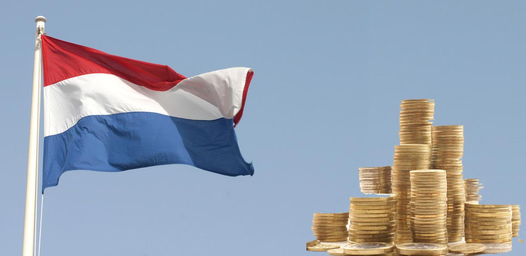 Image of Dutch flag and money