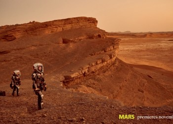 Some of the crew exploring Mars. The global event series MARS premieres on the National Geographic Channel in November 2016. (photo credit: National Geographic Channels/Robert Viglasky)