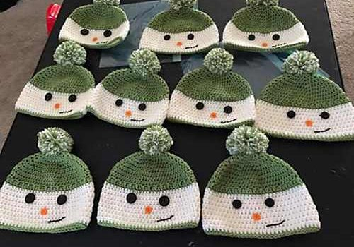 Crochet Pattern For Snowman Free Pattern Unbelievably Cute Happy Snowman Hat You Can Crochet