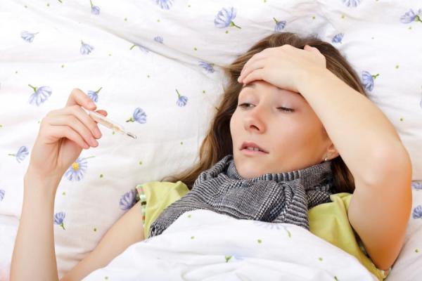 Bà bầu bị sốt phải làm sao?
