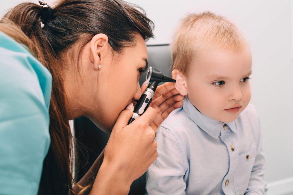 Méthodes de traitement des douleurs à l'oreille chez les enfants
