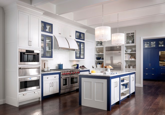 "Loxley Flat Panel (FP) and Bayside Platinum in maple White Icing and Finish Select ""Old Navy"""