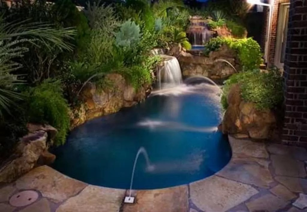 Guide To Small Inground Pools For Small Backyards