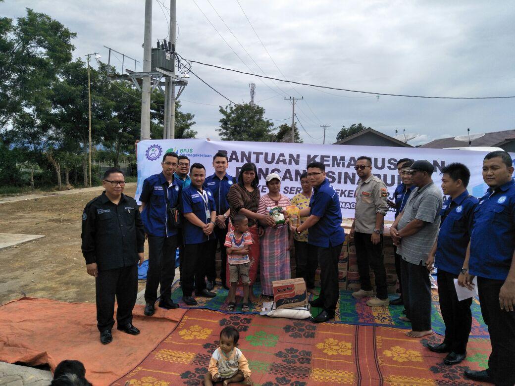 Serikat Pekerja Bpjs Ketenagakerjaan Bantu Perlindungan Petani Korban Erupsi Sinabung Medanbicara Com