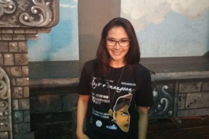 Maudy Koesnaedi berpose saat jumpa pers Pagelaran Ketoprak Tari Aryo Penangsang, di Gedung Pertunjukan Wayang Orang Bharata, Senen, Jakarta Pusat, Jumat (3/11/2017).(Kompas.com/Ira Gita)