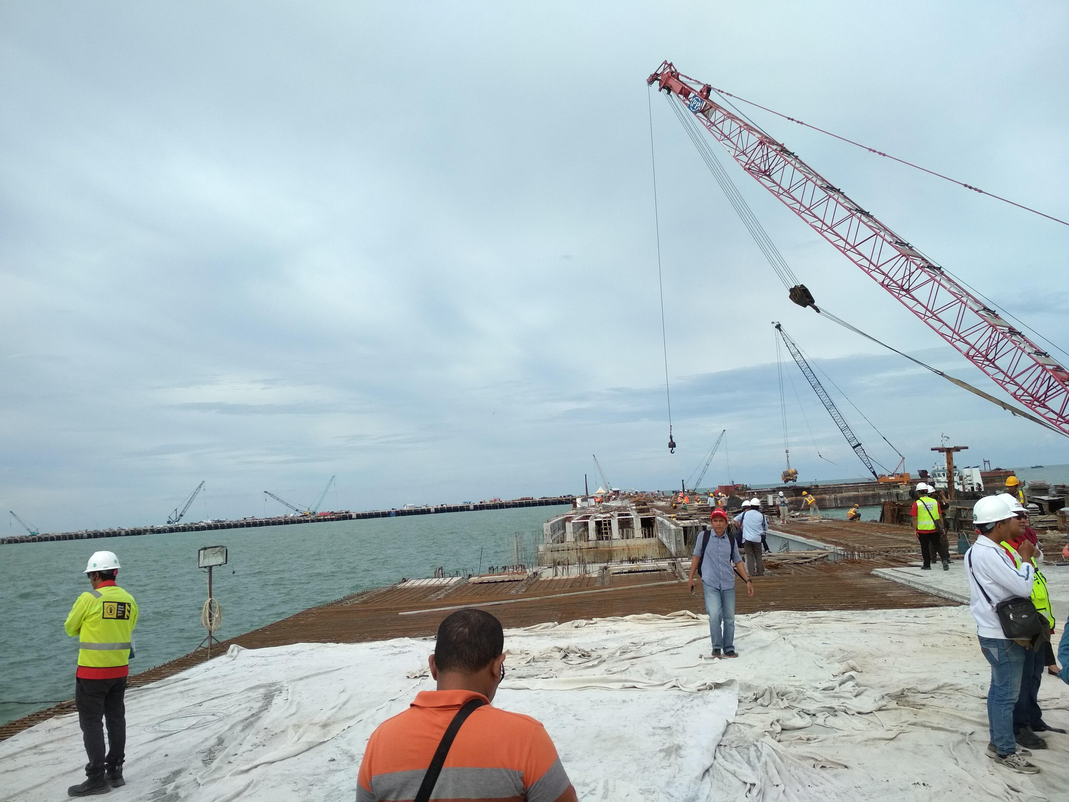 Pembangunan Pelabuhan Kuala Tanjung Capai 92 Persen