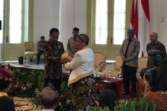 Presiden Joko Widodo, Kamis (4/1/2018), saat menerima raja dan sultan se-Indonesia di Istana Kepresidenan Bogor.(Fabian Januarius Kuwado)