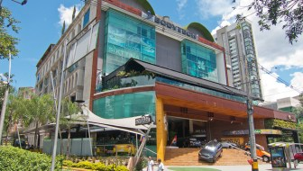 Rio Sur: Trendy Nightlife and Boutique Shopping