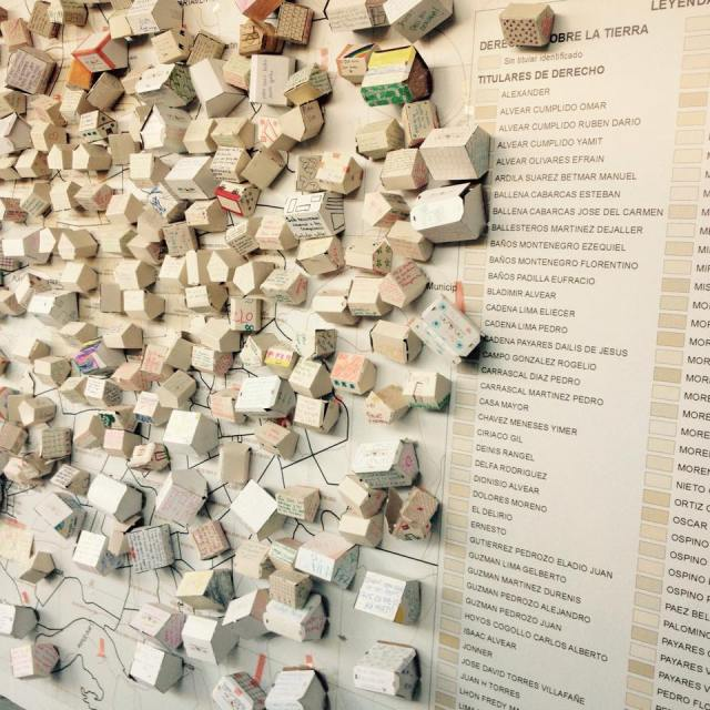 Peace messages from visitors.