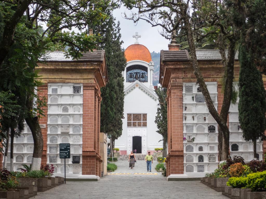 Entrance to Cementerio Museo de San Pedro