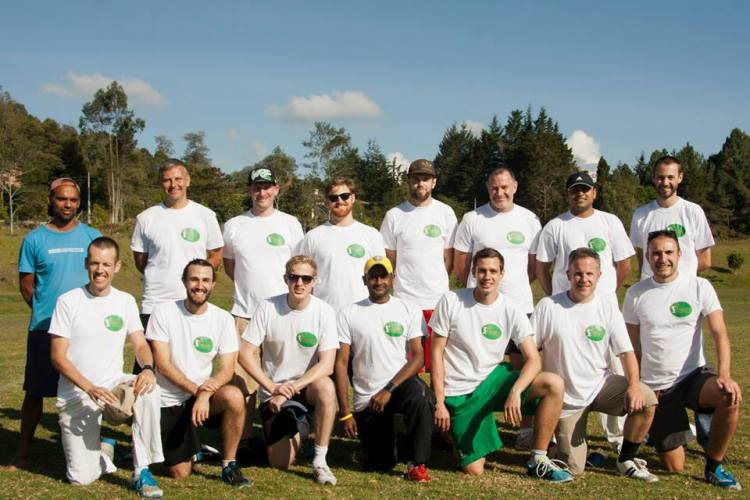 Medellin team donning snazzy new t-shirts (Photo: Medellin Cricket Club)