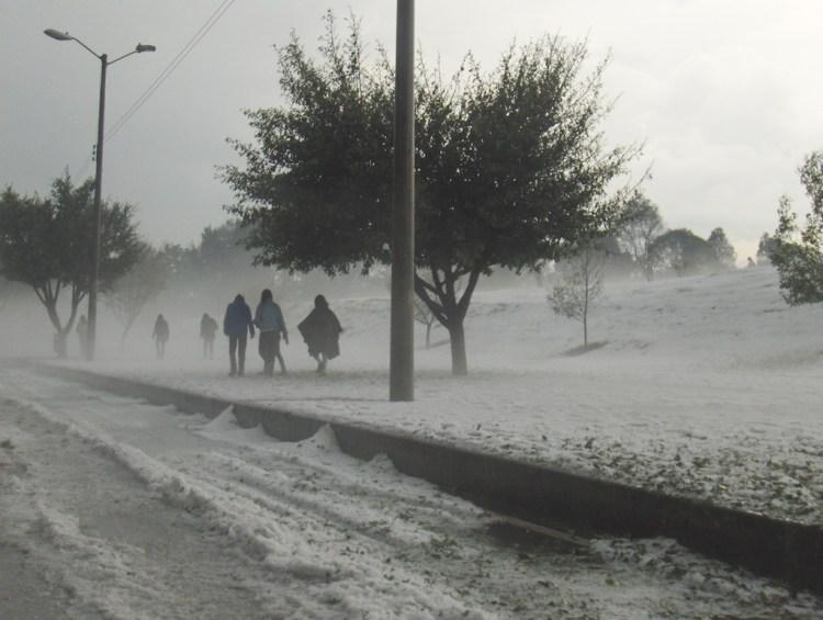 Snow in Bogotá (Photo by Dianib)