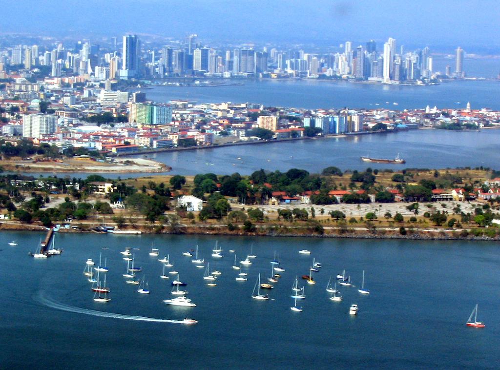 Panama City, photo by Ekabhishek