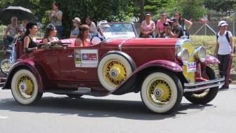 Desfile de Autos Clasicos (Classic Car Parade) Photos – 2016