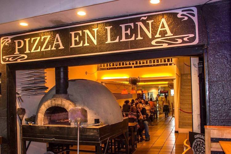 Pizza en Leña, our favorite pizza in Sabaneta