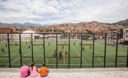 Cancha Comuna 13 | Foto Juan Fernando Ospina | Universo Centro