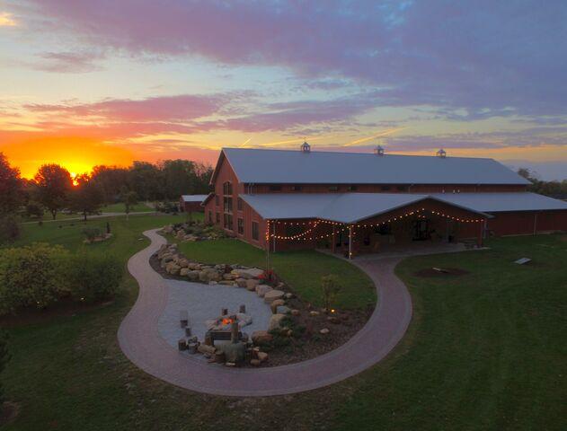 The Barn At Hornbaker Gardens Princeton Il