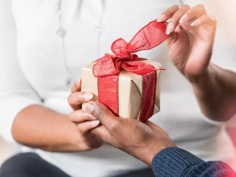 5-Year Anniversary Gift Ideas For Him, Her And Them
