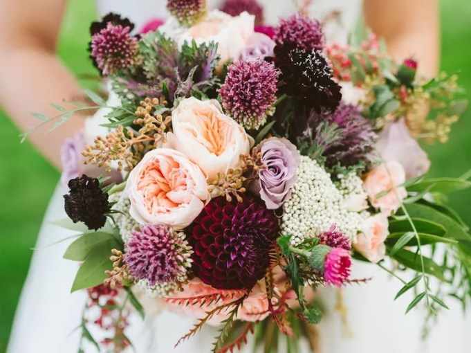 Wedding Flowers  Symbolic Meanings of Flowers Symbolic wedding flowers and centerpieces