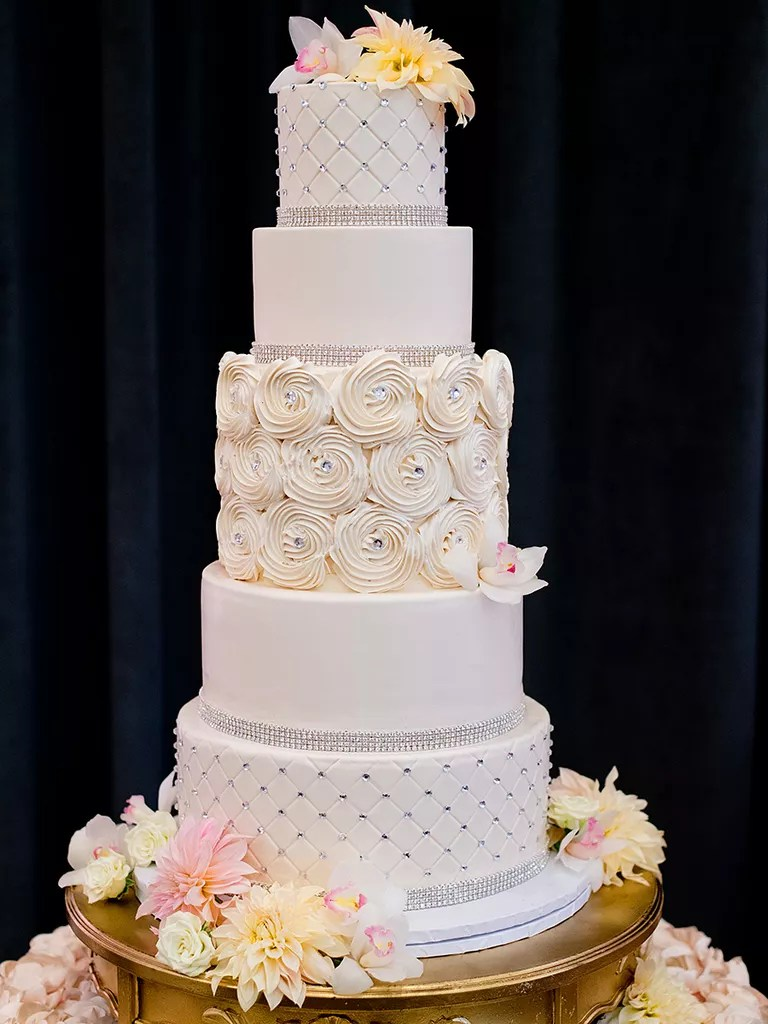 18 Wedding Cakes With Bling That Steal the Show Glamorous wedding cake with crystal accents