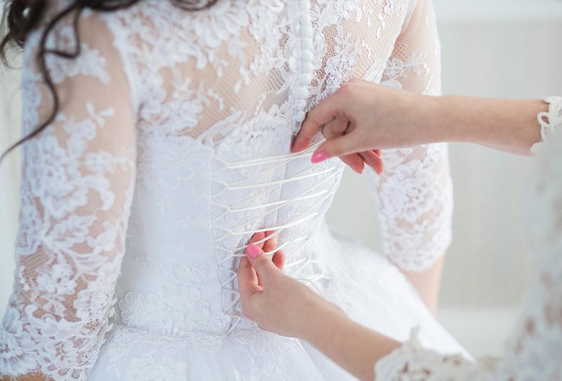 حلم لبس الفستان الابيض بدون عريس للفتاة العزباء ميديا ارابيا