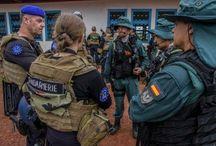 Los Guardias Civiles GAR  en misión conjunta co la Gendarmerie francesa por Siseguridad