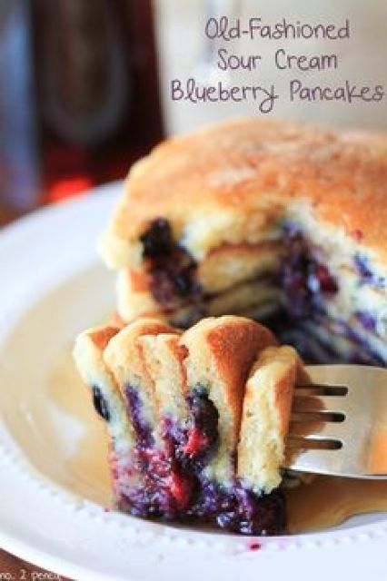 Old-Fashioned Sour Cream Blueberry Pancakes #yum #breakfast