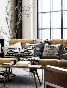 Home | Living Room | H US