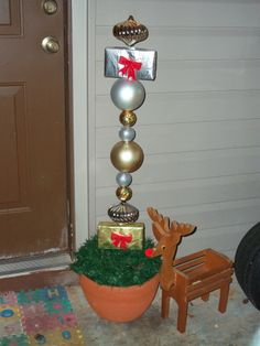 Christmas Balls in 2012! The Amazing Plant Stand on Amazing Plant Stand Ideas  id=37863