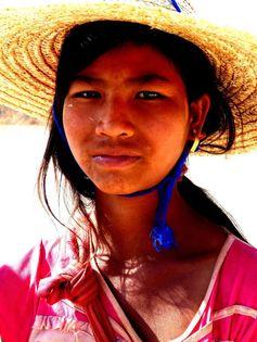 Myanmar - Birmanie - Kalaw > Inle trek Tectonique des plaques Pata-trac https://picsandtrips.wordpress.com/2014/03/25/tectonique-des-plaques/