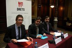 Sergi Blázquez: 'Amenaçar i insultar els catalans no pot sortir gratis' - vilaweb.cat, 29.10.2014. Una dotzena d'advocats va presentar ahir Drets, una associació que té per objectiu denunciar i personar-se com a acusació popular en vista 'dels atacs de catalanofòbia'. Volen actuar contra les amenaces i els insults que vulnerin 'el respecte als drets fonamentals i llibertats dels catalans'.