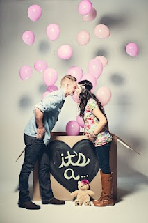 Gender reveal photo. I want to do this.