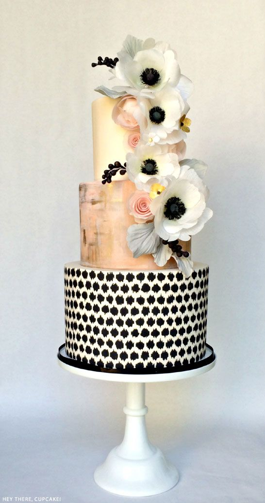 Amazing Paper Flowers on a Cake- Paper Popies and Peonies on earlyivy.wordpress.com