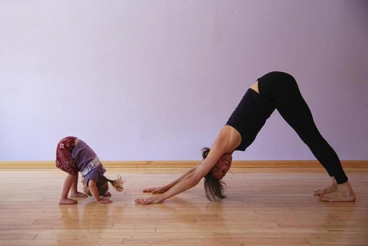yoga with grandchildren 的圖片結果