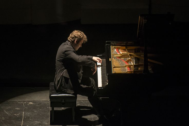 Grandes Pianistas - <b>Lukáš Vondráček</b>. Foto: Patricio Melo