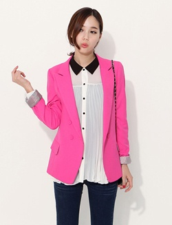 Super Pink Blazer. I want.
