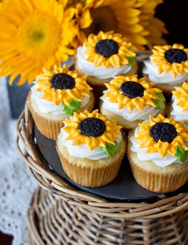 Sun Cupcakes decorated with Oreos – a delicious summer #dessert!