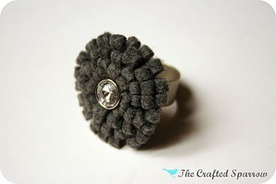 The Crafted Sparrow: Felt Flower Ring