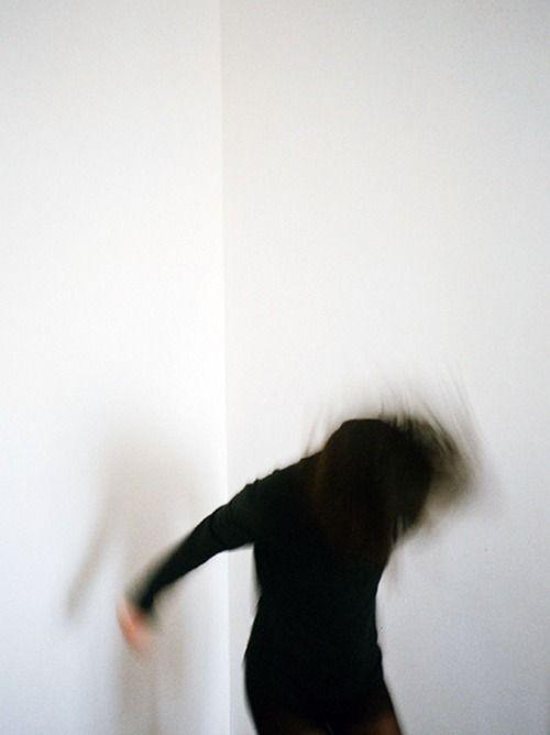 """vvolare:  """"Voidentity"""" Tatiana Leshkina"""